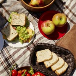 gesundes picknick geb ck genuss zum mitnehmen. Black Bedroom Furniture Sets. Home Design Ideas